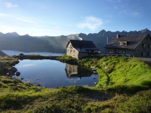Alpine Höhenwanderung vom Verwallgebirge zu den 3.000er der Silvretta. @ Partenen Tafamuntbahn