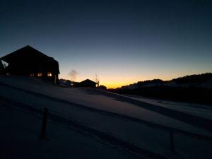 Vom Sonnenuntergang in die Vollmondnacht Schneeschuhwanderung @ Bödele, Treffpunkt Berghof Fetz